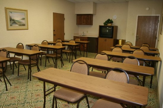 LaGrange, GA: Meeting Room
