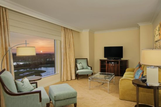 Waldorf Astoria Orlando: Waldorf Suite with Disney View