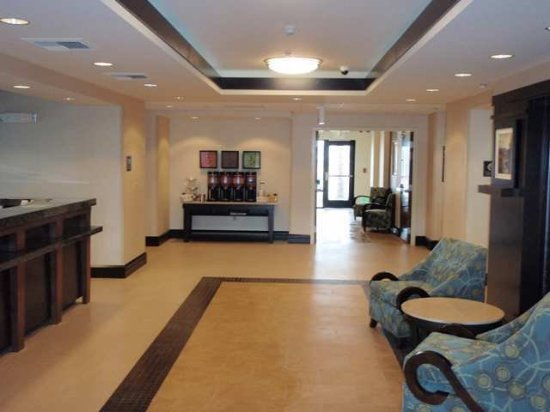 Hampton Inn & Suites Moreno Valley: Lobby