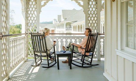 Μπέντφορντ, Πενσυλβάνια: Couple on the Porch
