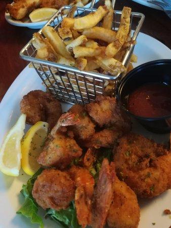 Brutus Seafood Market & Eatery: Fried shrimp basket
