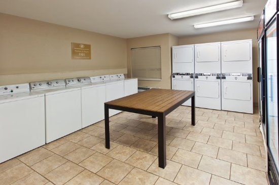 Βόρειο Olmsted, Οχάιο: Complimentary laundry facilities open 24/7!