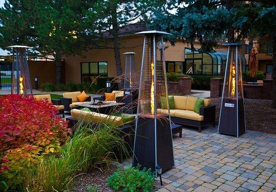 Des Plaines, IL: Courtyard