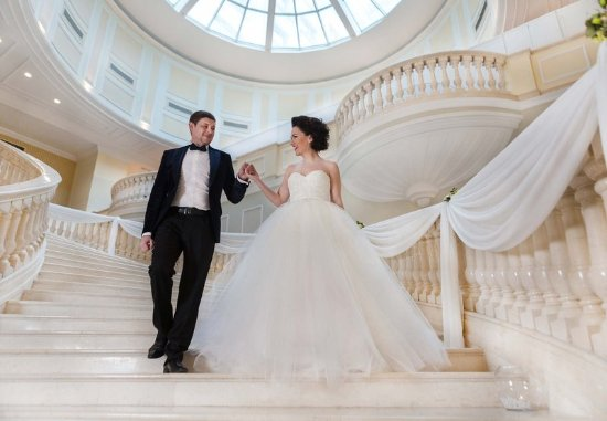 JW Marriott Bucharest Grand Hotel: Grand Staircase
