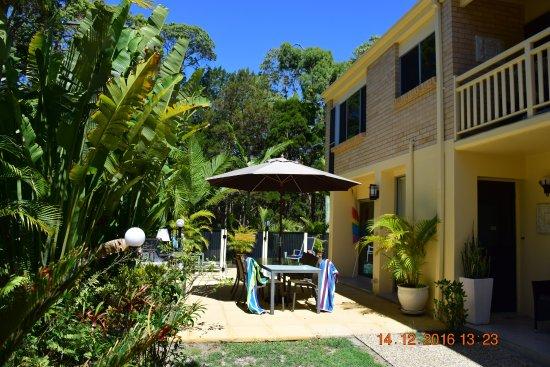 Noosa Cove Holiday Apartments: BBQ area Noosa Cove