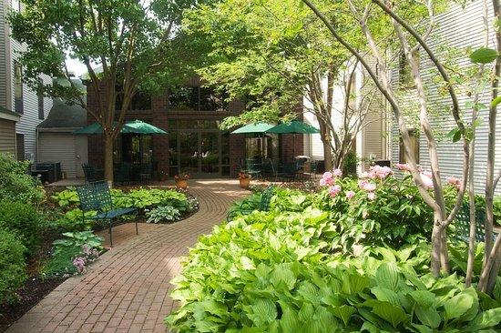 Victor, Nowy Jork: Hotel Courtyard