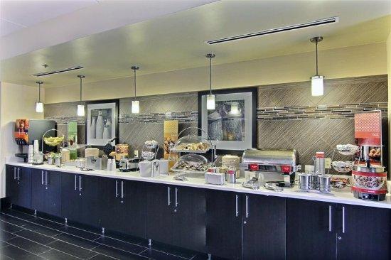 Medina, Ohio: Breakfast Area Display