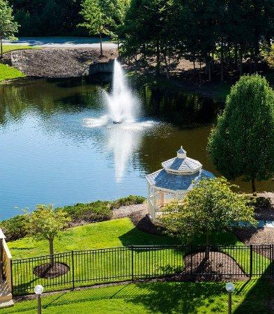 Park Ridge, NJ: Hotel Grounds