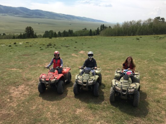 Fairplay, โคโลราโด: The fam on the ATVs on a beautiful day with Martin as a guide (great job)!