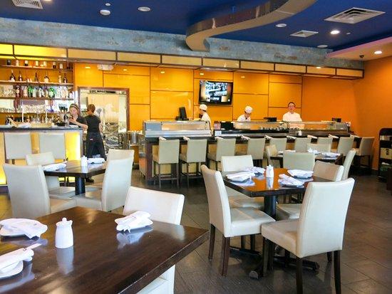 Setauket, Nova York: Spacious dining area