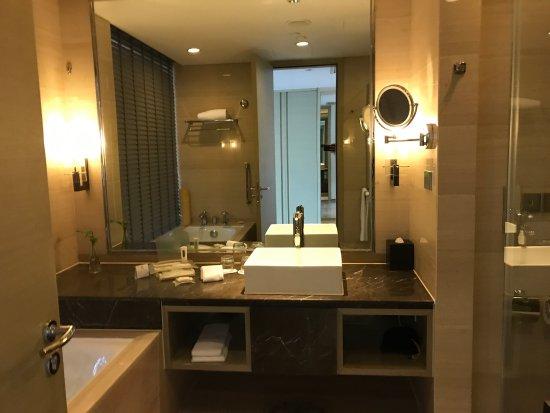 Holiday Inn Shanghai Songjiang: photo1.jpg