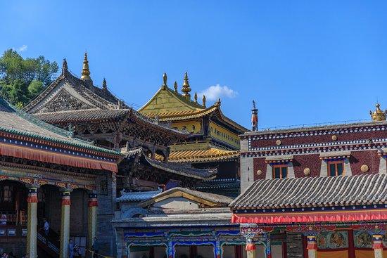Huangzhong County