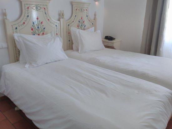 Albufeira Beach Hotel : twin room