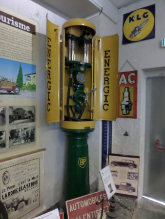 Piolenc, ฝรั่งเศส: Old BP fuel pump