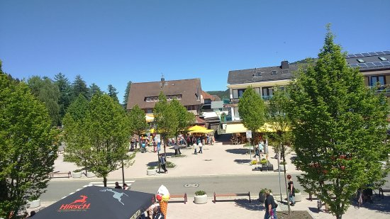 Titisee-Neustadt, Germania: Titisee village marketplace