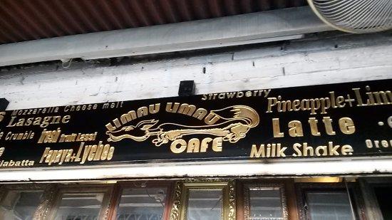 Limau Limau Cafe: Foto diambil dari depan