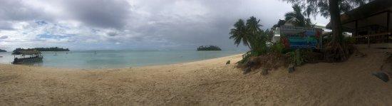 موري بيتش ريزورت: Beautiful beach, went kayaking with the family near it to the other island , sadly the day we we