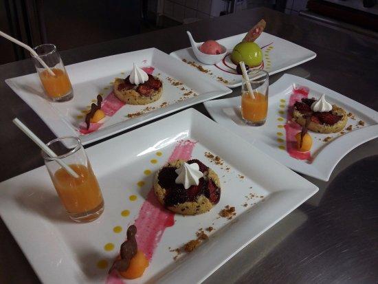 Belleme, Prancis: Sablé fraises rôties et graines de lin - cocktail passion mangue