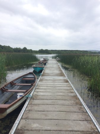 Knockvicar, Ireland: Private Jetty with complimentary use of row boats