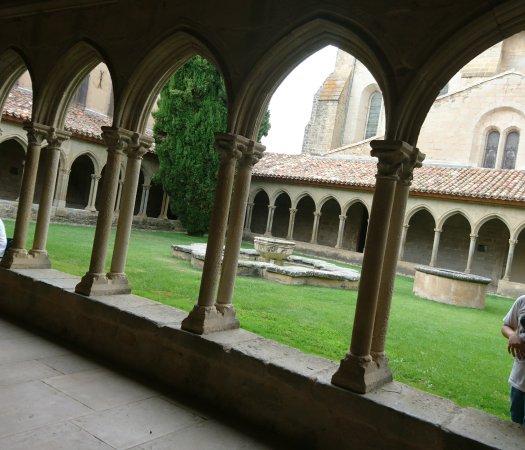 Saint-Hilaire, Francia: Abbaye de Saint Hilaire