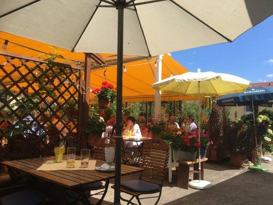 Dudenhofen, Allemagne : Herrlicher Biergarten im Sommer