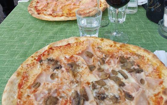 Ristorante Pizzeria Benaco: Pizza