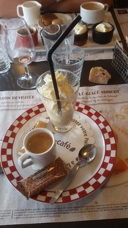 Dury, Frankrike: Grill6