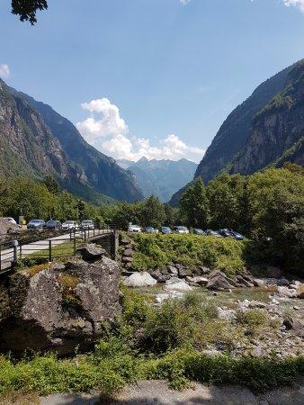 Vista dalla terrazza - Bild von Ristorante La Froda, Foroglio ...