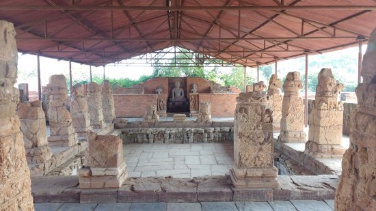 Sirpur, الهند: Ruins of Buddhist Monastery, Sirpur
