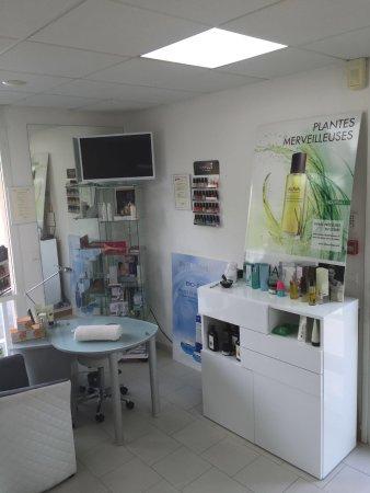 Valbonne, France : intérieur salon