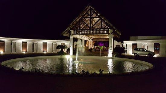 Hotel Riu Creole: Main entrance