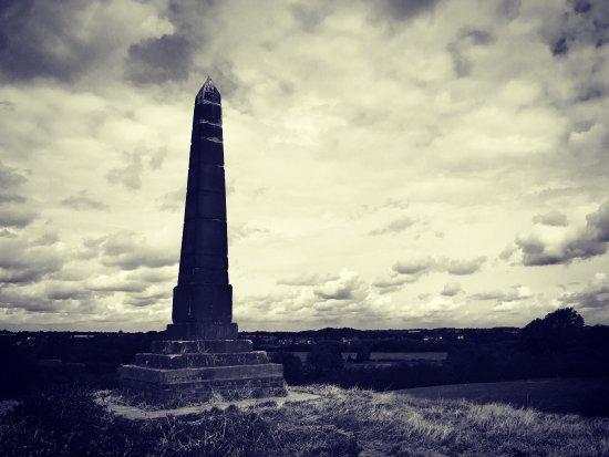 Hoo Hill Obelisk