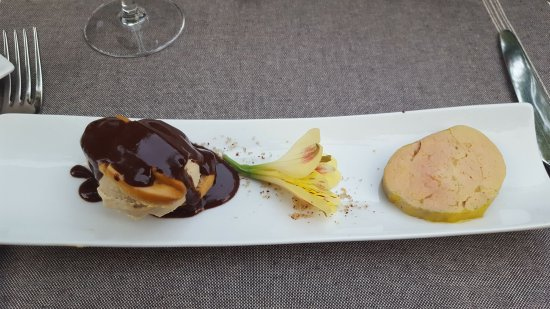 Gincla, Γαλλία: foie gras maison profiterole de foie gras sauce chcolat reduction de vin Maury