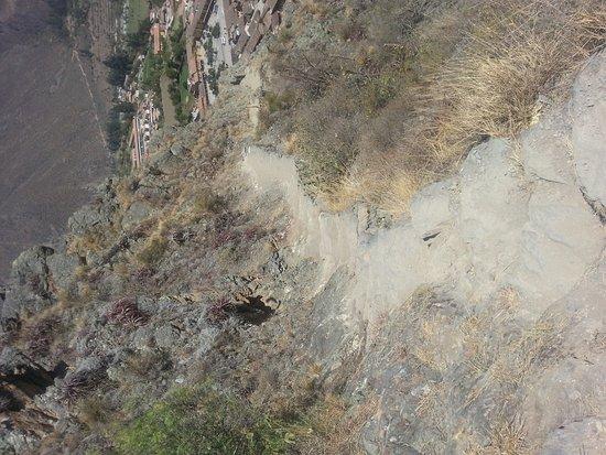 Pinkuylluna Mountain Granaries: 20170805_113633_large.jpg