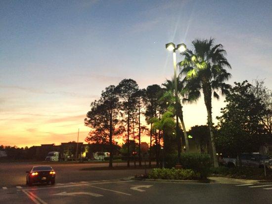 Holiday Inn Express Hotel & Suites Universal Studios Orlando: photo0.jpg