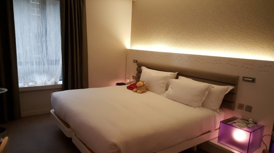 The Morrison, a DoubleTree by Hilton Hotel: Bequeme Betten, sauberes Zimmer
