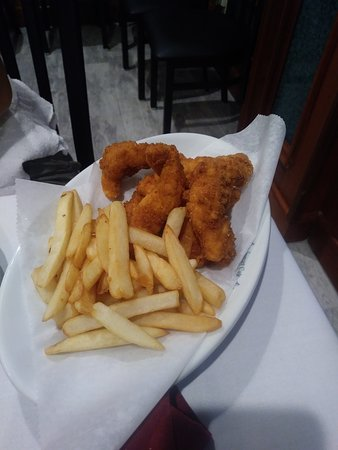 Sunset Cafe Restaurant: Chicken tenders for the kids.