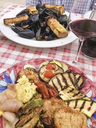 Verdurine del buffet und Pepata di cozze - köstlich!