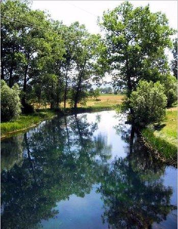 Lika-Senj County, Kroasia: Gacka im Sommer