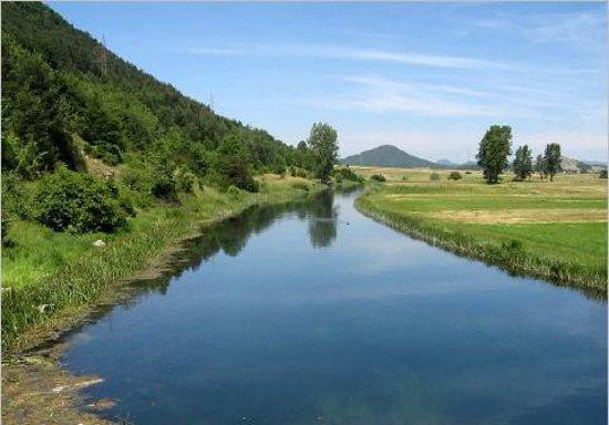 Comitat de Lika-Senj, Croatie : An der Gacka