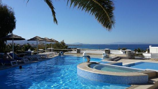 Agios Prokopios, Yunanistan: Piscina con idromassaggio