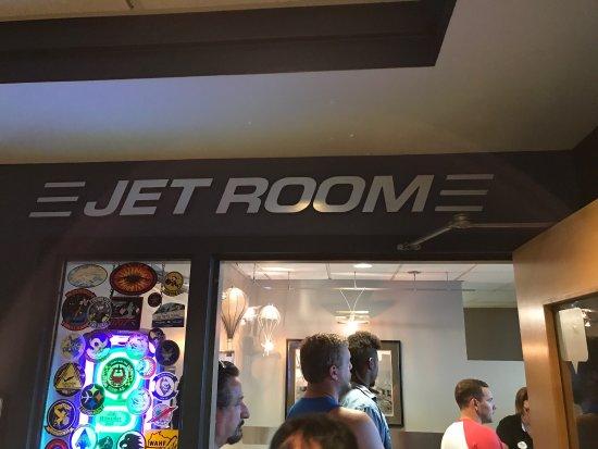 Pat O'Malley's Jet Room Restaurant: photo1.jpg