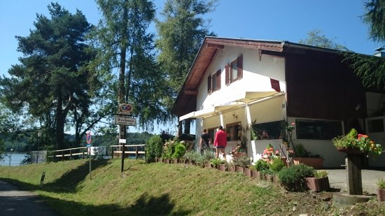 Weyarn, เยอรมนี: Утро в кемпинге, все на завтрак!)