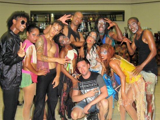 Hotel Playa Coco : Dance Team, wonderful people :-D
