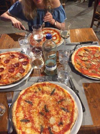 Gambassi Terme, Italia: Best Pizza, and fantastic price