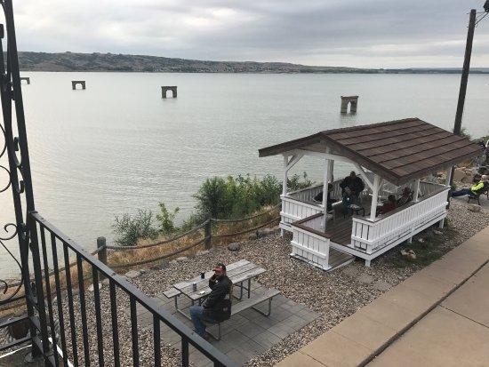 A bridge view inn updated 2017 hotel reviews for Best western lee s motor inn chamberlain sd