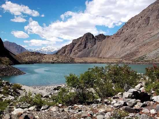 Khaplu, باكستان: Kharfaq Lake, also called Riochug Tso