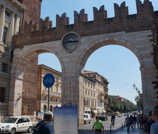 I portoni della bra foto di centro storico verona - Centro veneto del mobile recensioni ...