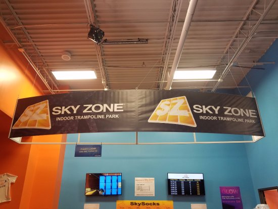 Sky Zone Trampoline Park: Entrance