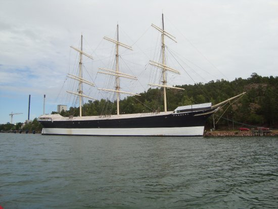 Museumship Pommern: Pommern's new berth, north of her usual location
